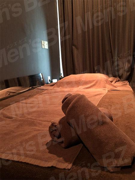 大久保メンズエステ「FREVI(フレヴィ)」の施術部屋の写真2枚目です。