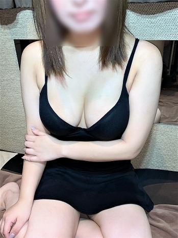 高田馬場メンズエステ「シャングリラ」の「長浜なつき」さんの写真です。