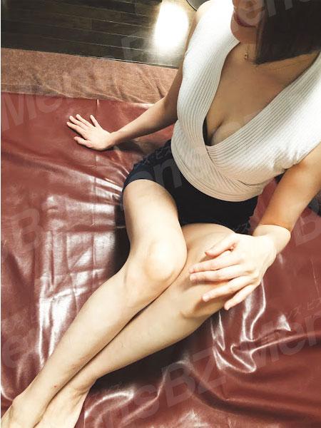 ビークインズのセラピスト美妃さんの写真2です